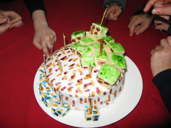 Minecraft cake 600x450 Birthday Delights